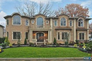 10  Cambridge Pl  , Englewood Cliffs, NJ 07632 (#1443308) :: Fortunato Campesi - Re/Max Real Estate Limited