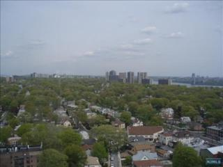 770  Anderson Ave  22G, Cliffside Park, NJ 07010 (#1518029) :: Fortunato Campesi