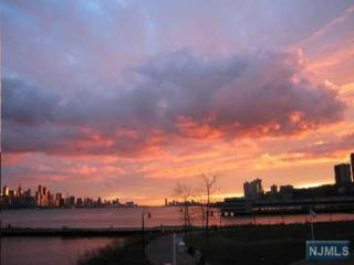 121-122  The Promenade  121-122, Edgewater, NJ 07020 (#1443849) :: Fortunato Campesi - Re/Max Real Estate Limited
