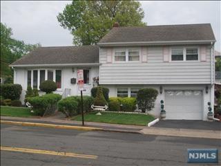 220  Elmwood Dr  , Elmwood Park, NJ 07407 (#1440299) :: Fortunato Campesi - Re/Max Real Estate Limited