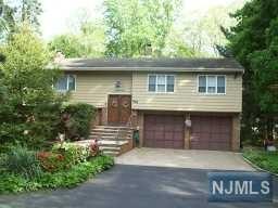 688  Birchwood Dr  , Wyckoff, NJ 07481 (#1442360) :: Fortunato Campesi - Re/Max Real Estate Limited
