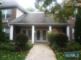 25  Crest St  207, Westwood, NJ 07675 (#1443699) :: Fortunato Campesi - Re/Max Real Estate Limited