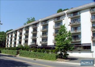 3C, Edgewater, NJ 07020 (#1443767) :: Fortunato Campesi - Re/Max Real Estate Limited