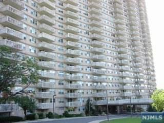 555  North Ave  2A, Fort Lee, NJ 07024 (#1510516) :: Fortunato Campesi