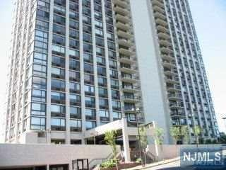 200  Old Palisade Rd  Th4, Fort Lee, NJ 07024 (#1516732) :: Fortunato Campesi