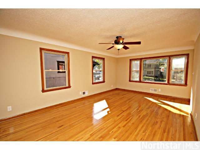 1291 Laurel Avenue - Photo 10