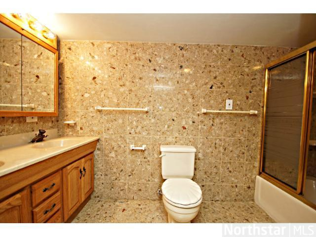 1291 Laurel Avenue - Photo 12