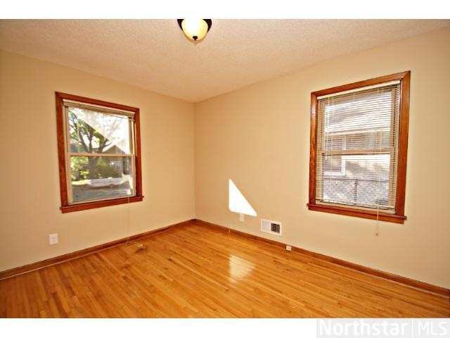 1291 Laurel Avenue - Photo 4