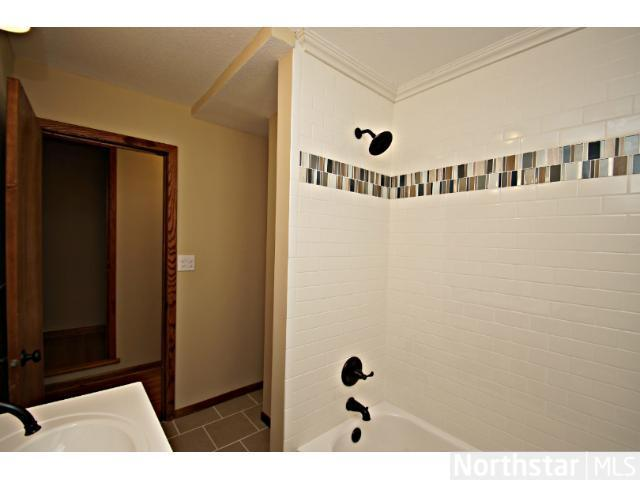 1291 Laurel Avenue - Photo 7