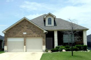 5788  Windy Meadow Lane  , Grand Prairie, TX 75052 (MLS #13185878) :: Carrington Real Estate Services