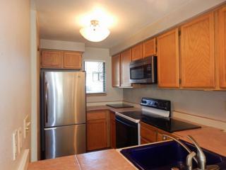 12044  96th Ave NE 221, Kirkland, WA 98034 (#718830) :: Home4investment Real Estate Team