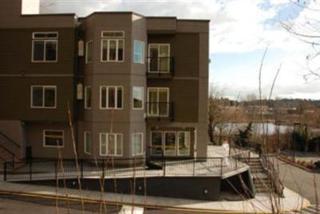 12411 NE Totem Lake Wy  301, Kirkland, WA 98034 (#28039380) :: Exclusive Home Realty