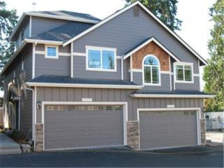 2510  204th Place SW D-1, Lynnwood, WA 98036 (#583574) :: Exclusive Home Realty