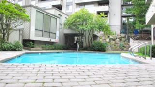 3710  26th Place W 408, Seattle, WA 98199 (#615880) :: FreeWashingtonSearch.com