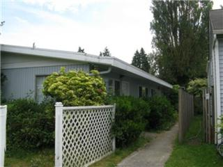 10532  Stone Ave N , Seattle, WA 98133 (#647186) :: Exclusive Home Realty