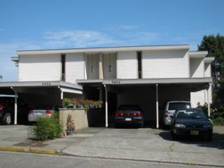 3604  26th Place W 402, Seattle, WA 98199 (#686895) :: FreeWashingtonSearch.com