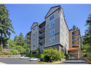 8850  Redmond Woodinville Rd NE 404, Redmond, WA 98052 (#693806) :: Exclusive Home Realty