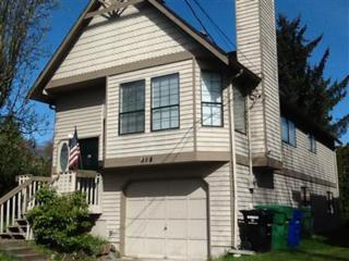 318 NE 59th St  , Seattle, WA 98105 (#751626) :: Exclusive Home Realty