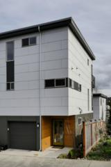 3227  21st Ave W D, Seattle, WA 98199 (#757389) :: FreeWashingtonSearch.com