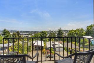 3601  24th Ave W 404, Seattle, WA 98199 (#783947) :: FreeWashingtonSearch.com