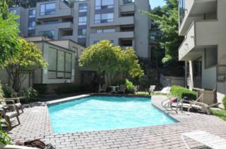 3700  26th Place W 102, Seattle, WA 98199 (#664949) :: FreeWashingtonSearch.com