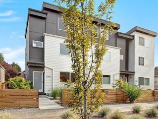 3305 W Ruffner St  , Seattle, WA 98199 (#684464) :: FreeWashingtonSearch.com