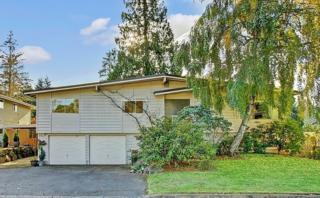 10913 NE 48th Street  , Kirkland, WA 98033 (#718012) :: Exclusive Home Realty