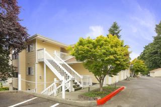 2640  118th Ave SE 301, Bellevue, WA 98005 (#725698) :: Keller Williams Realty Greater Seattle