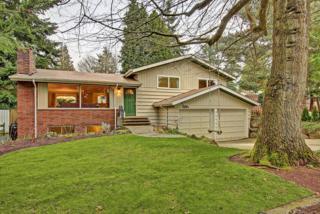 2126 N 135th St  1/2, Seattle, WA 98133 (#748150) :: Keller Williams Realty Greater Seattle