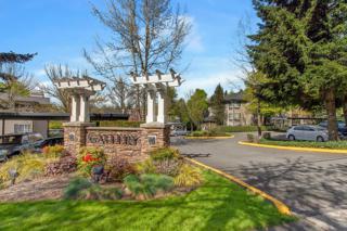 221  9th St  C103, Kirkland, WA 98033 (#775900) :: Keller Williams Realty Greater Seattle