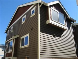 3410  21st Ave W B, Seattle, WA 98199 (#678729) :: FreeWashingtonSearch.com