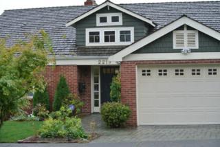 2219  30th Ave W , Seattle, WA 98199 (#710340) :: FreeWashingtonSearch.com