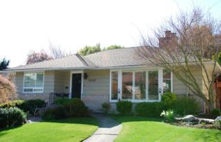 3227  44th Ave W , Seattle, WA 98199 (#747725) :: FreeWashingtonSearch.com