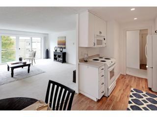 733  Lake St S 301, Kirkland, WA 98033 (#704760) :: Exclusive Home Realty