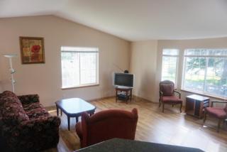 1933  Howard Ave  B, Everett, WA 98203 (#751043) :: Home4investment Real Estate Team
