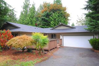 135  Mt Olympus Dr NW , Issaquah, WA 98027 (#691943) :: Exclusive Home Realty