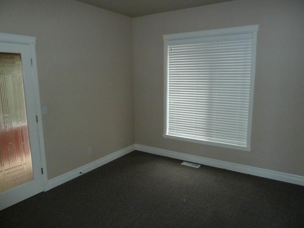 1122 36th Ave - Photo 13