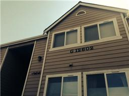 12411  109th Ct NE G102, Kirkland, WA 98034 (#610221) :: Exclusive Home Realty