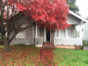 2521  Maple St  , Everett, WA 98201 (#718566) :: Exclusive Home Realty