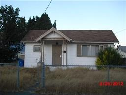 3215 S Madison  , Tacoma, WA 98409 (#762360) :: Home4investment Real Estate Team