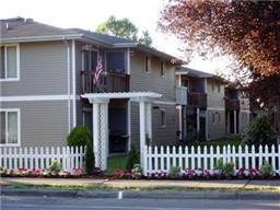 607  29th St SE C-1, Auburn, WA 98002 (#715826) :: Exclusive Home Realty
