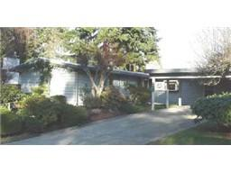 430  167th Ave SE , Bellevue, WA 98008 (#737084) :: Exclusive Home Realty