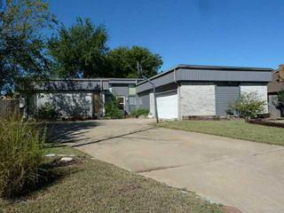 2905  Elisabeth Anne Ter  , Moore, OK 73160 (MLS #568281) :: Movers Real Estate