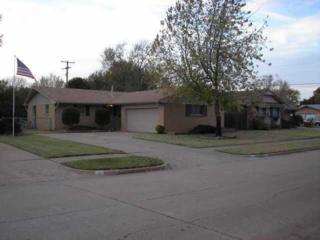 3005  Beverly Dr  , Edmond, OK 73013 (MLS #571803) :: Century 21 Mark V Realty
