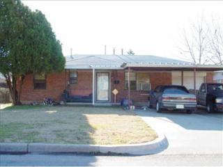 908 SW 1st St  , Moore, OK 73160 (MLS #577572) :: Re/Max Elite