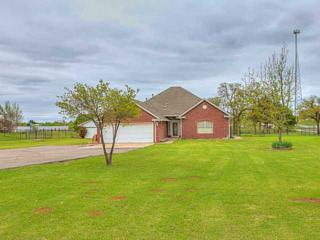 620  Summer Oaks Dr  , Blanchard, OK 73010 (MLS #583967) :: Re/Max Elite