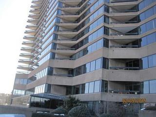 1  Trimont Lane  550C, Mt Washington, PA 15211 (MLS #1044275) :: Keller Williams Pittsburgh