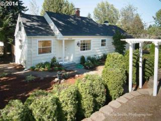 8965 SW 69TH Ave  , Portland, OR 97223 (MLS #14075172) :: Hasson Company Realtors