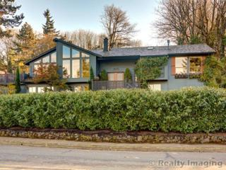 1925  Carriage Way  , West Linn, OR 97068 (MLS #14657934) :: The Rian Group Real Estate