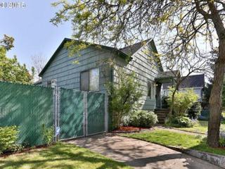4233 SE Yamhill St  , Portland, OR 97215 (MLS #15151728) :: TLK Group Properties